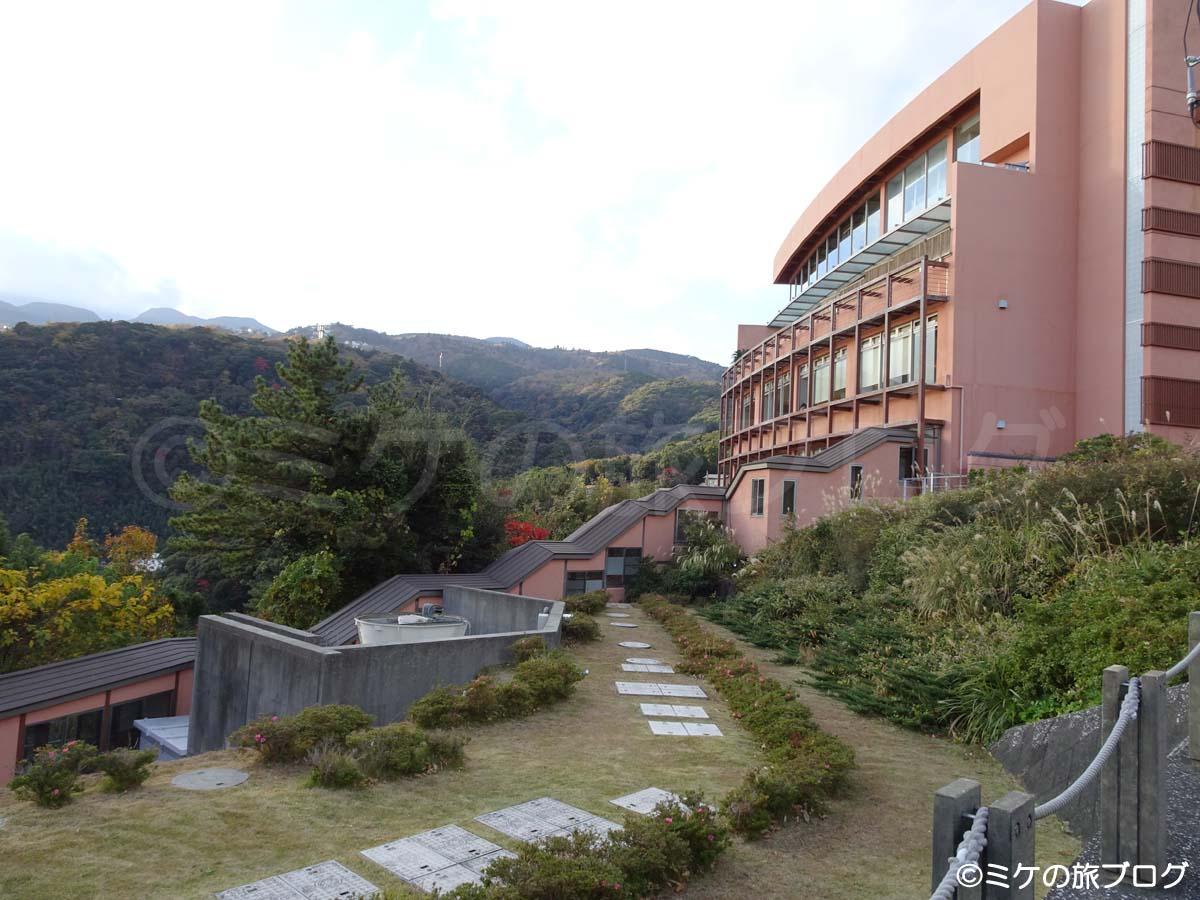 赤沢温泉ホテル 本館と日帰り温泉館の連絡通路