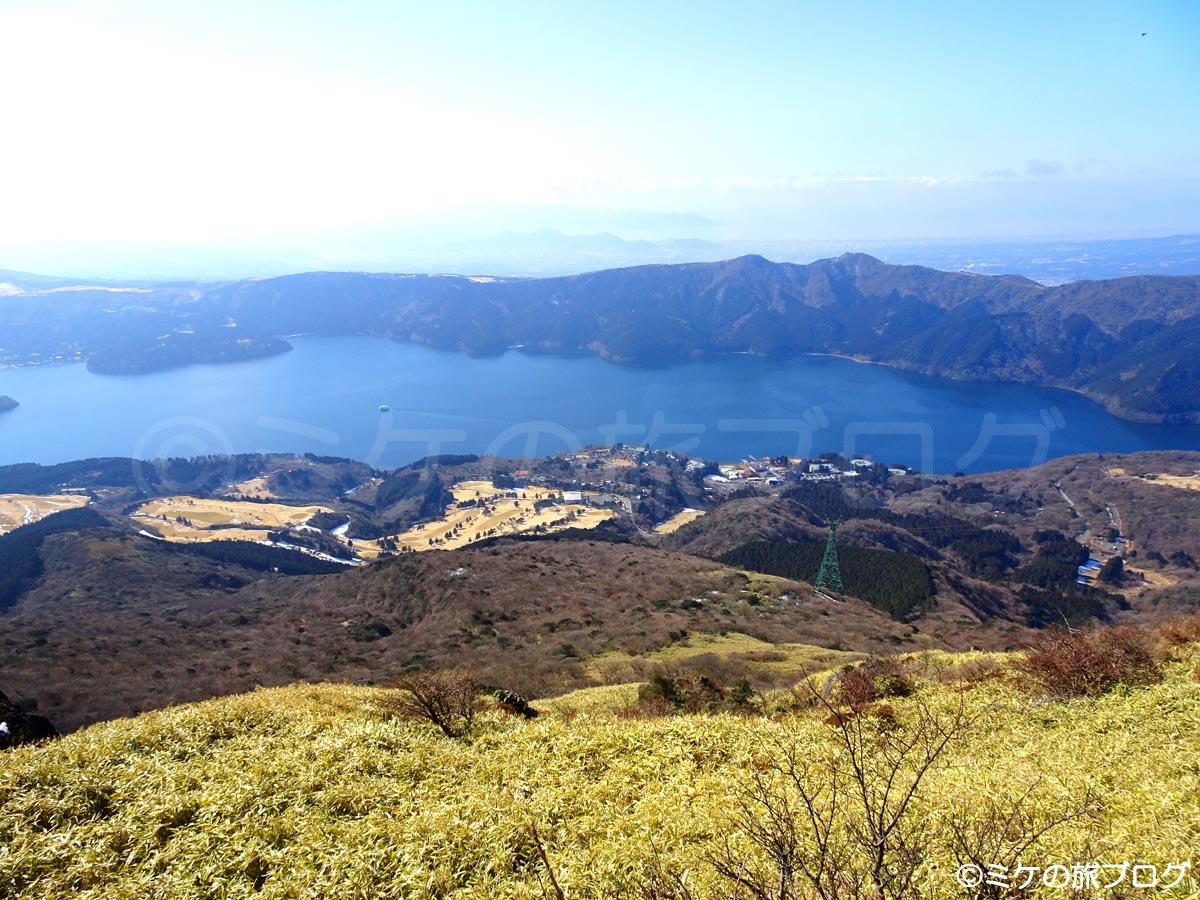 箱根駒ヶ岳山頂から見る芦ノ湖