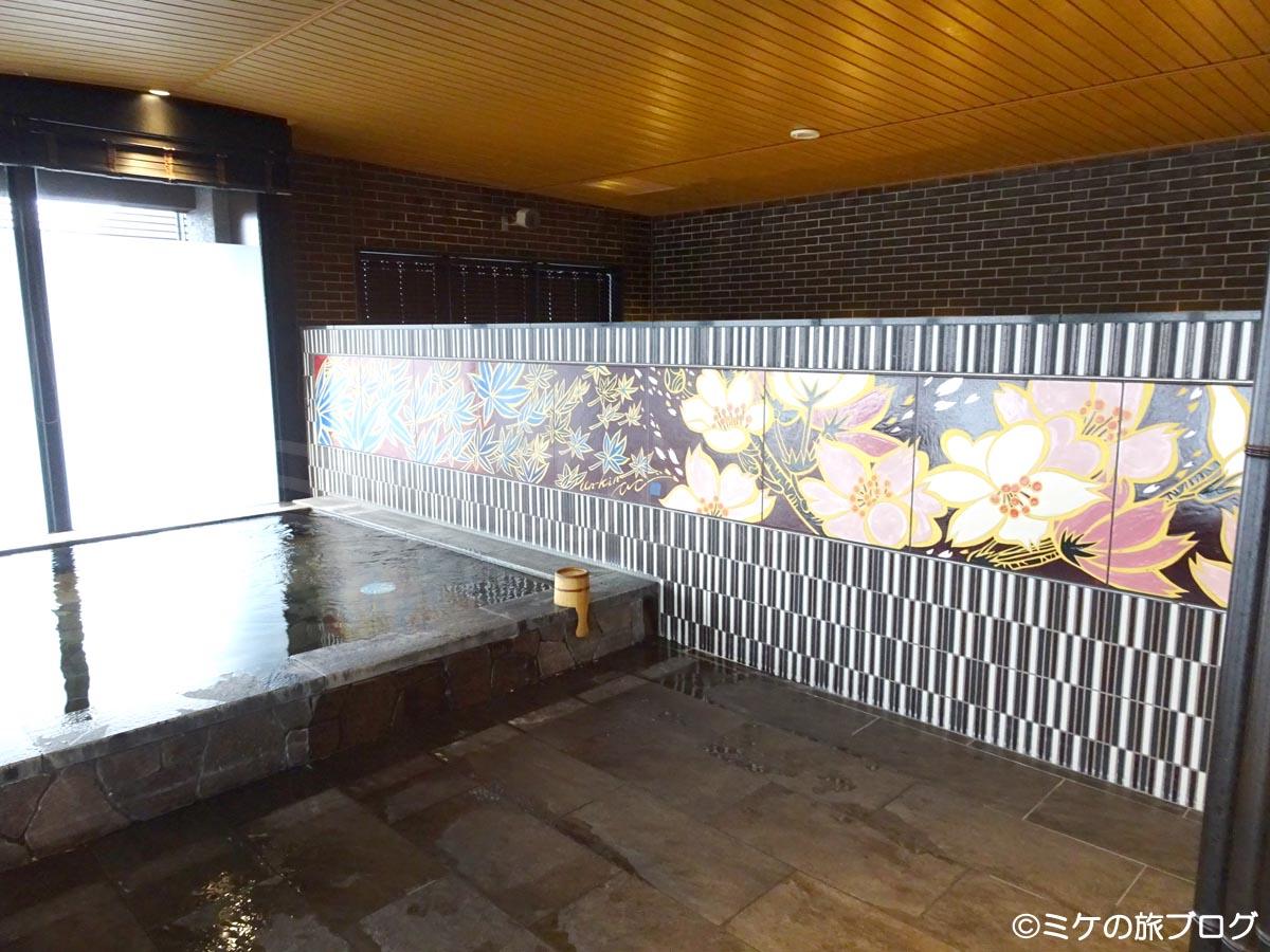 ハトヤ瑞鳳閣の温泉大浴場
