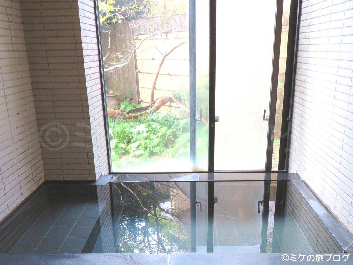 伊東温泉「湯の庭」貸切家族風呂